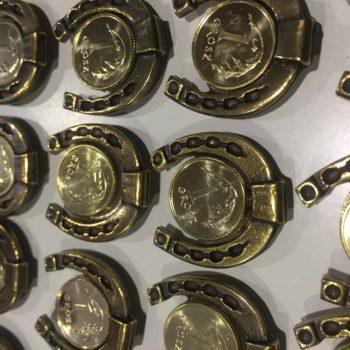 Magnes podkówka z grosikiem bizuteria-i-breloczki, akcesoria, dla-jezdzca