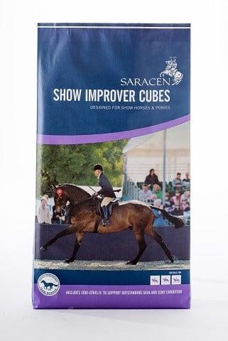 SARACEN Show Improver Cubes 20kg pasze-i-witaminy, pasze